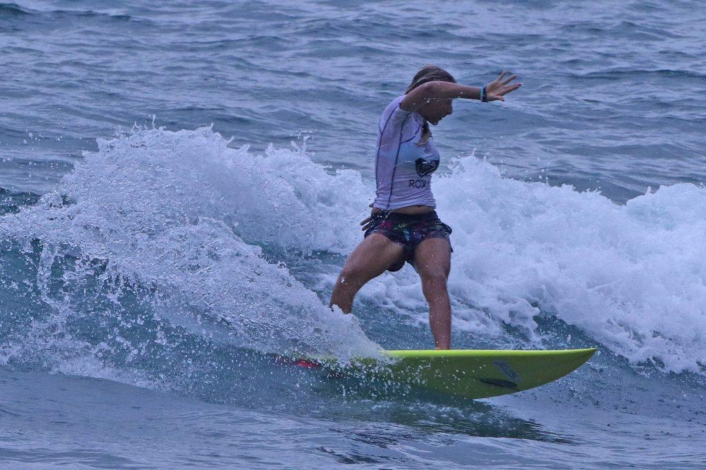 Yasmin Neves vira no final para ficar com o título da Sub 16.