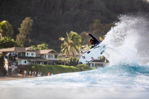 Jadson André, Billabong Pipe Masters 2020, North Shore de Oahu, Havaí. Foto: WSL / Brent Bielmann.