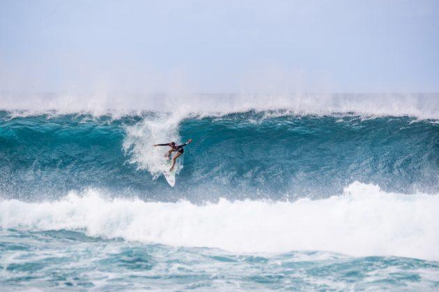 Sally Fitzgibbons, Billabong Pipe Masters 2020, North Shore de Oahu, Havaí. Foto: WSL / Brent Bielmann.