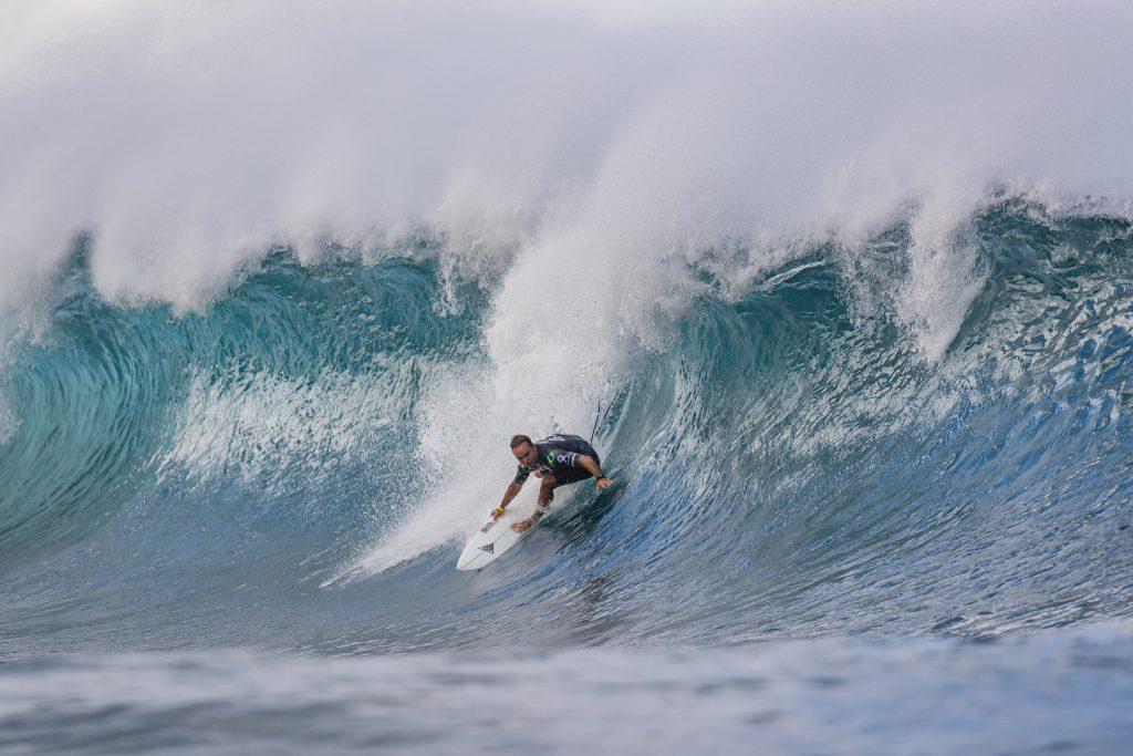 Caio Ibelli é um dos brasileiros na elite do surfe mundial.