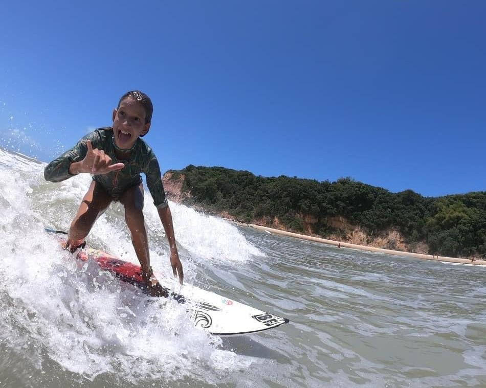 Maria Clara, 11, é uma das revelações do litoral potiguar.