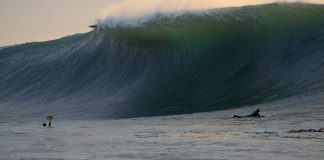 Big swell chega a Mavericks