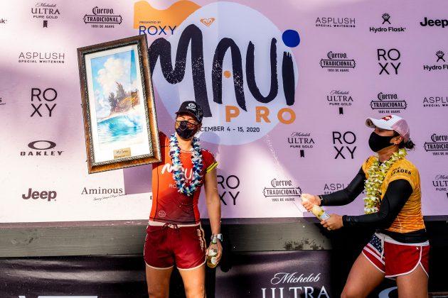 Tyler Wright e Carissa Moore, Billabong Pipe Masters 2020, North Shore de Oahu, Havaí. Foto: WSL / Keoki.