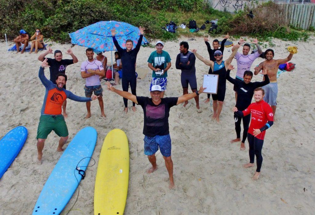 Desde 2003, Associação faz trabalho importante de fomento ao ensino de surfe em todo o litoral de Santa Catarina.