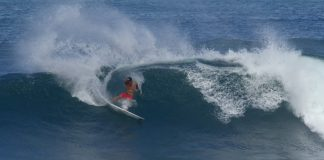 Surfe, sangue e luta