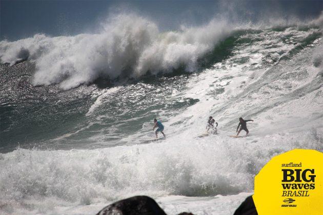 David Nagamini, Fabiano Wainberg e Márcio Machado, Praia do Silveira, Garopaba (SC). Foto: Carolina Scorsin.