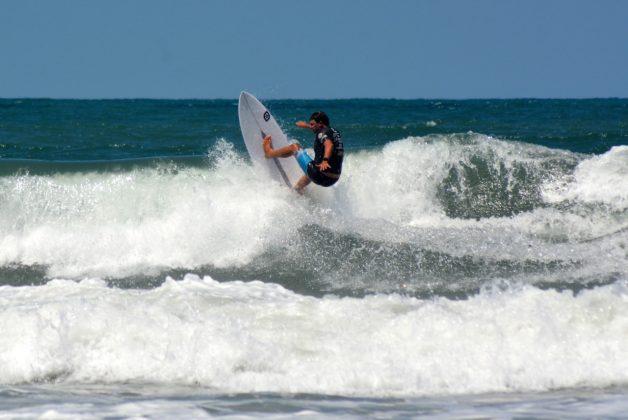 Eduardo Correia, Praia dos Molhes, Torres (RS). Foto: Torrica Photosurf Club.