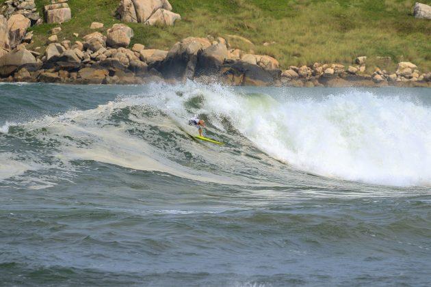 Dudu Rodrigues, Praia da Vila, Imbituba (SC). Foto: Pitch Lordello e Jana Barbosa.