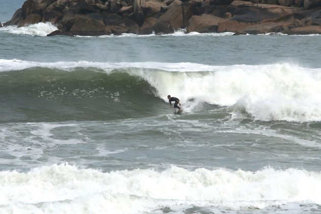 Paulo Silva, Praia da Vila, Imbituba (SC). Foto: Pitch Lordello e Jana Barbosa.