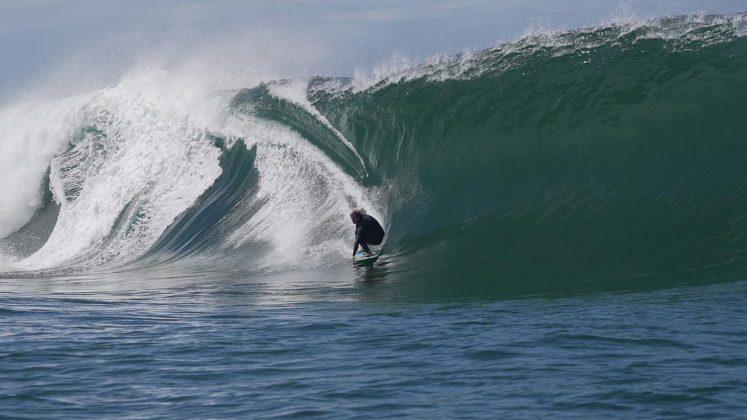 Lucas Fink, Laje de Manitiba, Saquarema (RJ). Foto: Renan Vignoli.