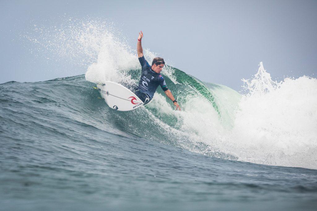 Local de Merewether Beach, Morgan Cibilic foi uma das boas sensações da etapa.