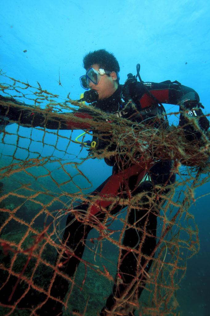 Ilhas sofrem com grande atividade de navios e atividade pesqueira.