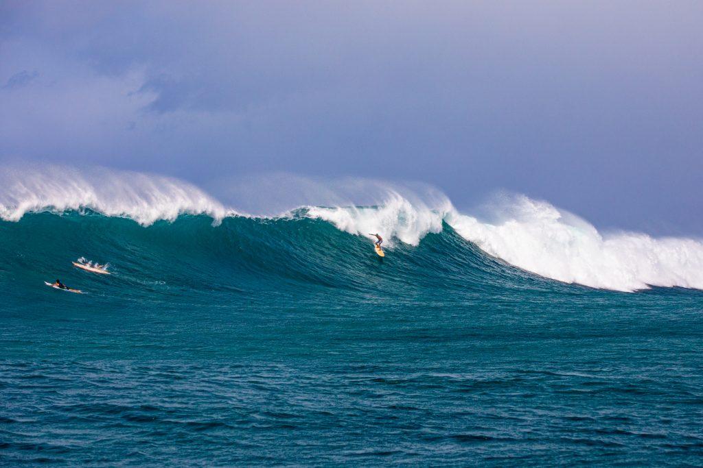 De acordo com Lapo Coutinho, as ondas ultrapassaram os 15 pés.