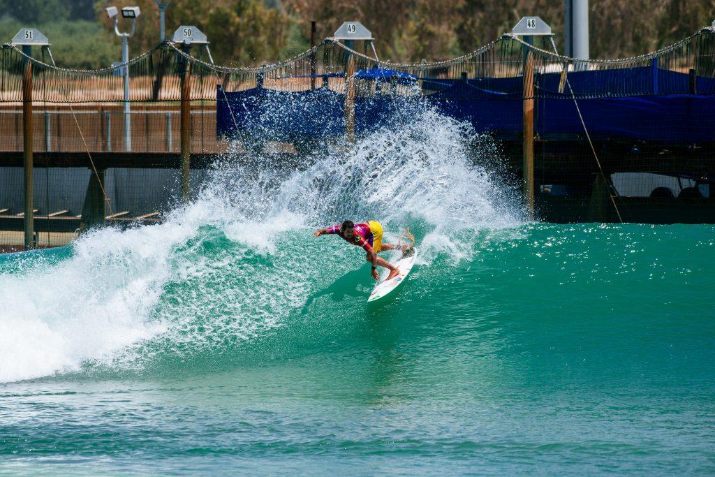 Adriano conquistou o quinto lugar na etapa do Surf Ranch, Califórnia (EUA).