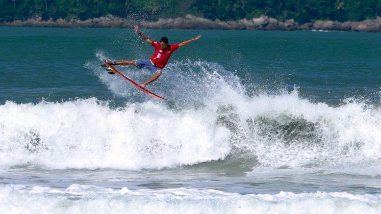Surf Treino Pro, Baleia, São Sebastião (SP). Foto: Anderson Ramalho / @stokedsoulfilms.