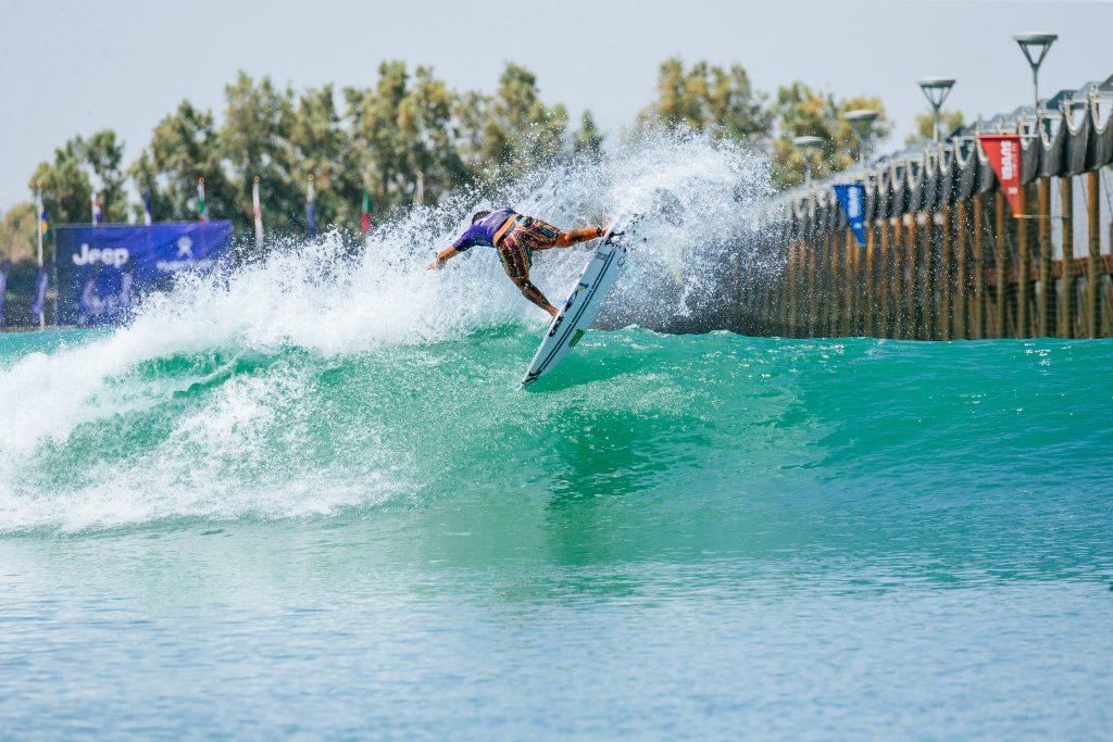 Filipe Toledo é o melhor na abertura do Surf Ranch Pro 2021.