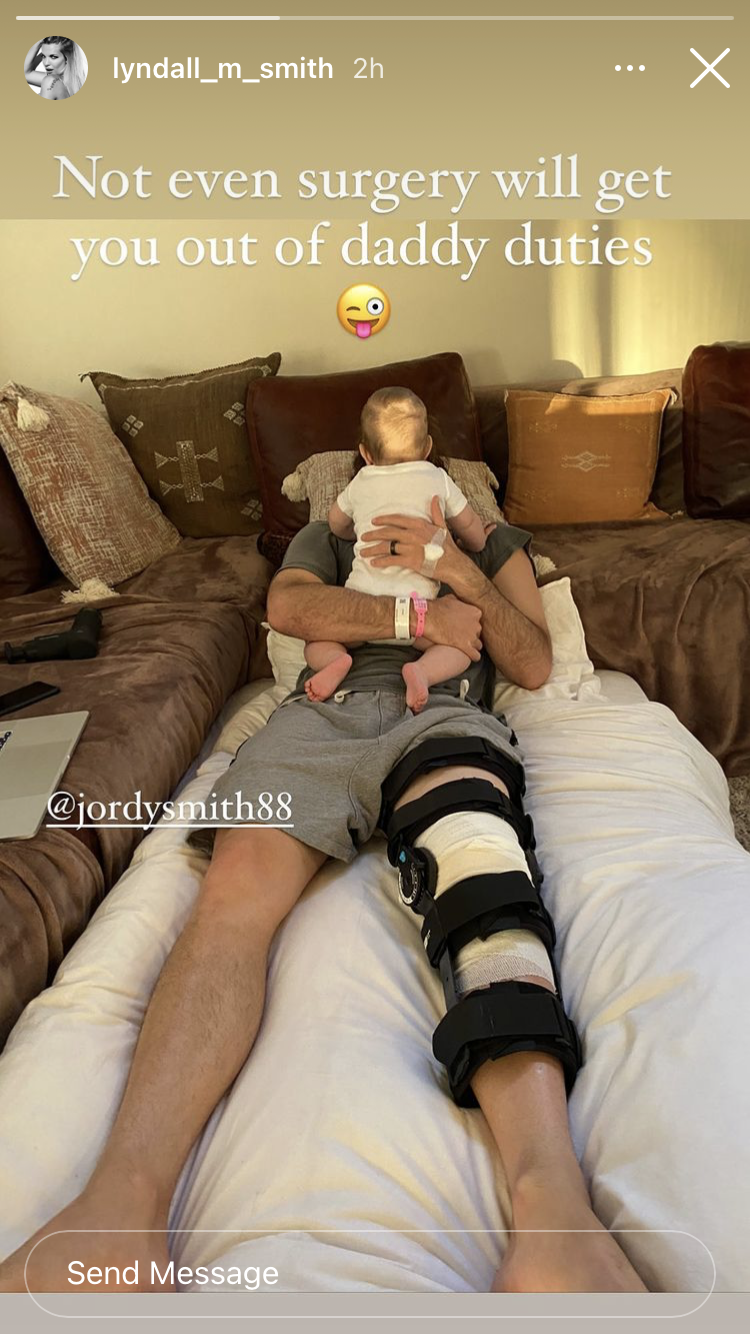 Possivelmente, Smith carregou a lesão na perna australiana do CT.