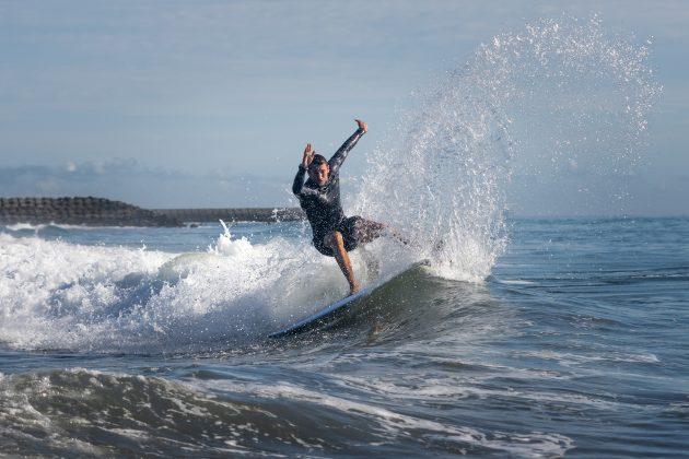 Leon Glatzer, Jogos Olímpicos 2021, Tsurigasaki Beach, Ichinomiya, Chiba, Japão. Foto: ISA / Sean Evans.
