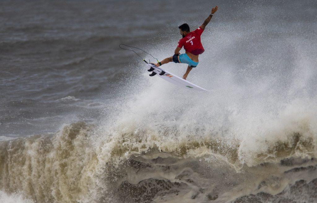 """Medalhas obtidas pelos chamados """"esportes radicais"""" alavancam vendas de produtos ligados ao surfe e skate no interior de São Paulo."""