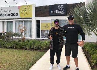 Caio Castro visita obras