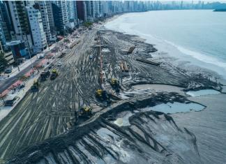 Obra aumenta faixa de areia