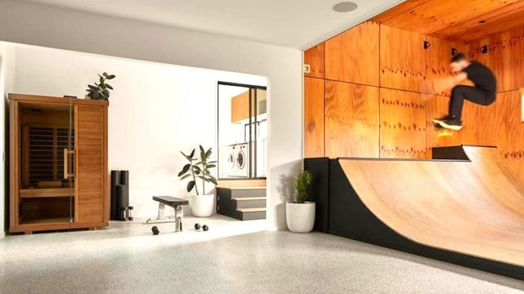 Mini ramp é atração em nova casa de Mick Fanning.