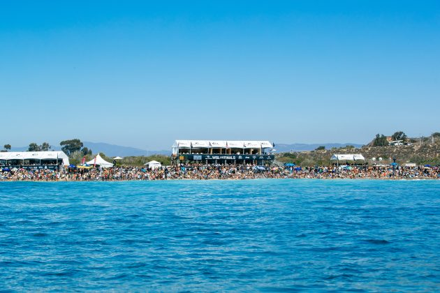 Praia cheia, Rip Curl WSL Finals 2021, Trestles, Califórnia (EUA). Foto: WSL / Heff.
