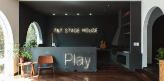 TNT inaugura Stage House