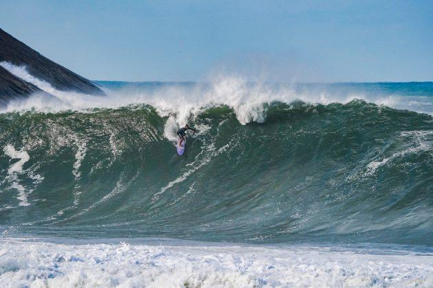 Gabriel Sampaio, Itacoatiara Big Wave 2021, Niterói (RJ). Foto: Matheus Couto.