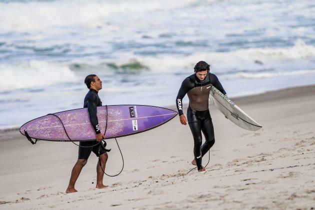 Gabriel Sampaio, Pedro Calado, Itacoatiara Big Wave 2021, Niterói (RJ). Foto: Matheus Couto.