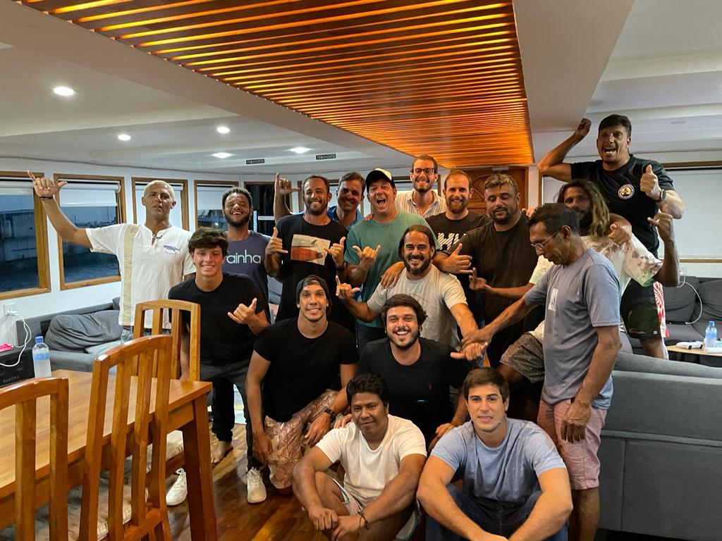 Barca reuniu surfistas de todo país e de diferentes graduações.