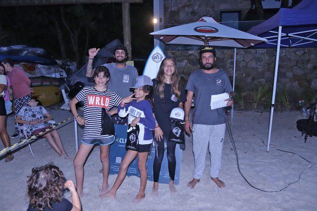 Pódio Feminino, Escola Adriano Camargo, praia de Juquehy, São Sebastião (SP). Foto: Munir El Hage.