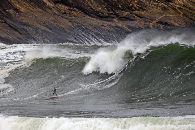 Michelle des Bouillons, Itacoatiara Big Wave 2021, Niterói (RJ). Foto: Tony D'Andrea.