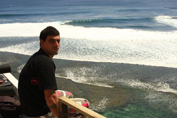 Léo Neves, Rip Curl Pro Search 2008, Bali, Indonésia. Foto: Aleko Stergiou.