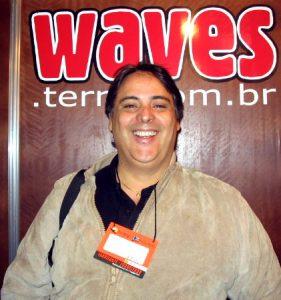 Em 2003, nos primórdios do Waves. Força, Cação!