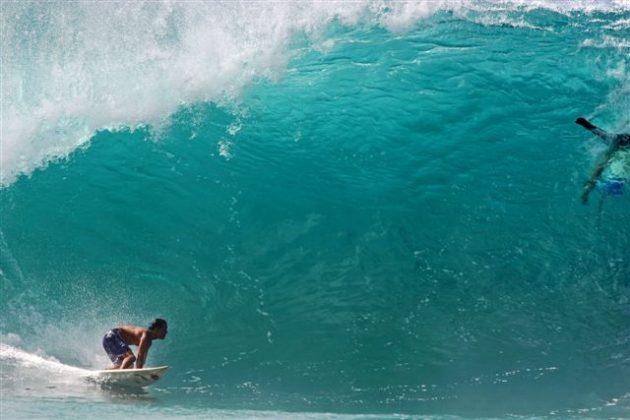 Derek Ho, Pipeline, North Shore de Oahu, Hawaii. Foto: Bruno Lemos / Lemosimages.com.