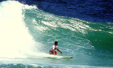 Léo Neves - Reef Classic 97 - Saquarema (RJ). Foto: Fábio Minduim.
