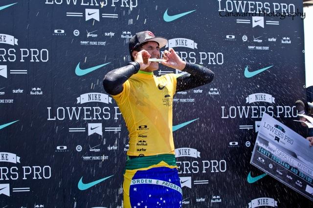 Gabriel Medina comemora a vitória do Lowers Pro 2012, em Trestles, Califórnia (EUA), na época válida como etapa Prime do WQS.