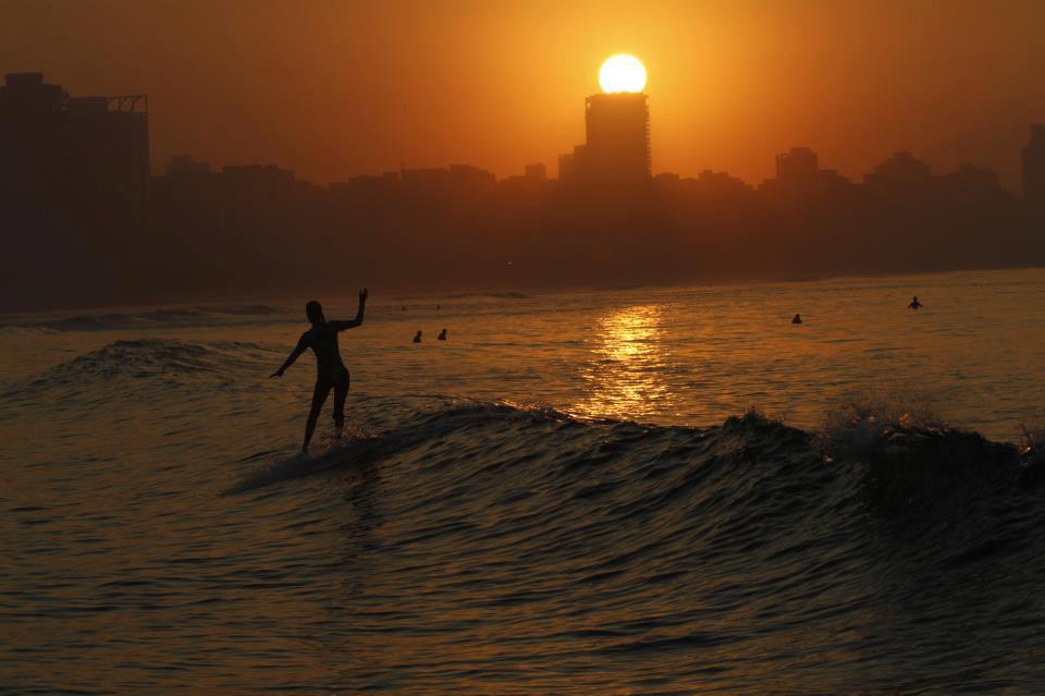 Dia Internacional - A mulher surfista | Waves