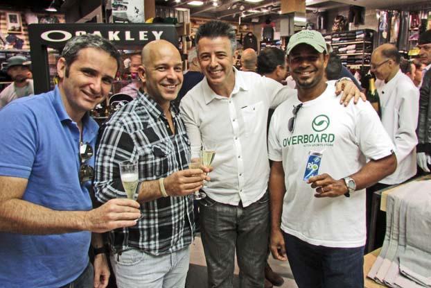 36aa8075d1 Luiz, Marcelo, João Luiz e Jojó de Olivença, Overboard, Shopping Aricanduva,