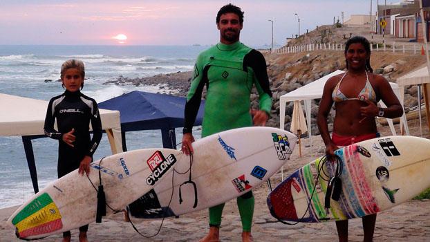 Daniel Templar, Leo Neves e Kayane Reis, Punta Rocas, Peru. Foto: Cesar Aiello.