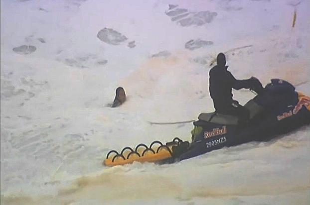 Segundo Maya, Carlos Burle não tinha muita experiência em resgate na época.