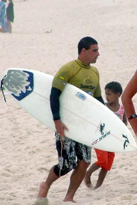 Léo Neves - SuperSurf Saquarema 2004. Foto: Ricardo Macario.