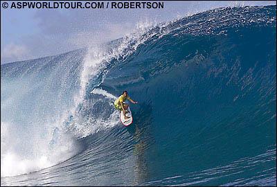 Derek Ho (Haw), Air Tahiti Nui/Von Zipper Trials 2005, Teahupoo, Tahiti. Foto: ASP World Tour/Robertson.
