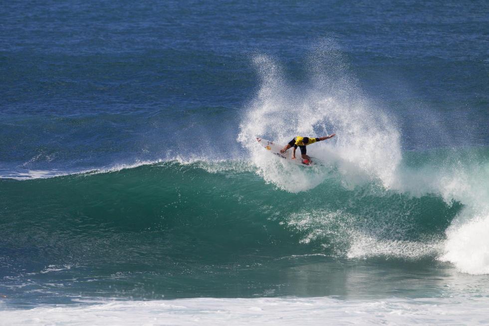 Gabriel Medina durante a Vans World Cup of Surfing 2015, em Sunset Beach, Havaí.
