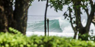 Turistas deixam Bali