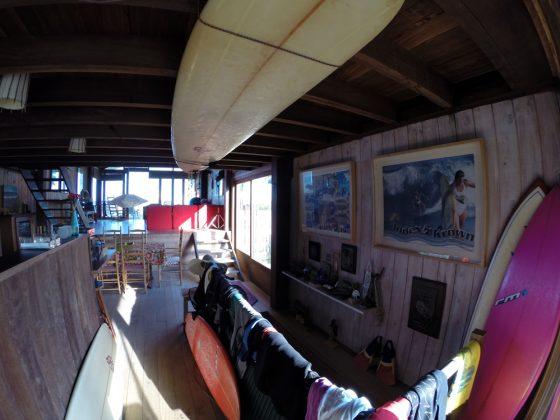 A casa de Roberta Borges respira surfe