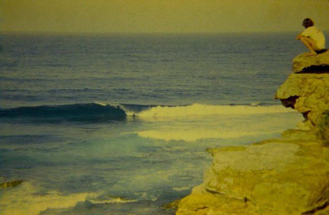 Bruno Alves observando Dee Why, Austrália. Foto: Gabriel Angi / Surf Van.