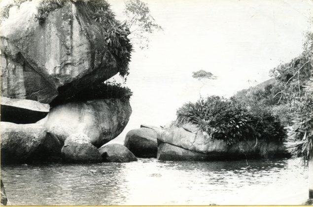 Piscina do Caxadaço por volta do ano de 1975, Trindade (RJ)