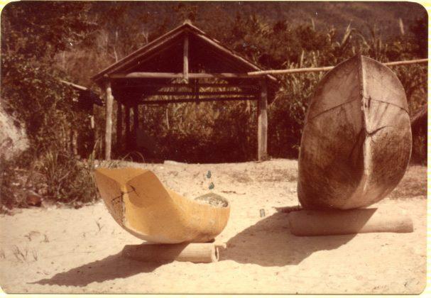 Rancho das canoas na praia de Trindade 1975, Trindade (RJ)